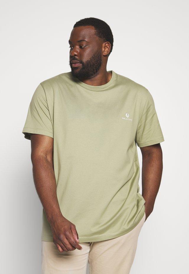 Big & Tall BELSTAFF - T-shirt - bas - oil green