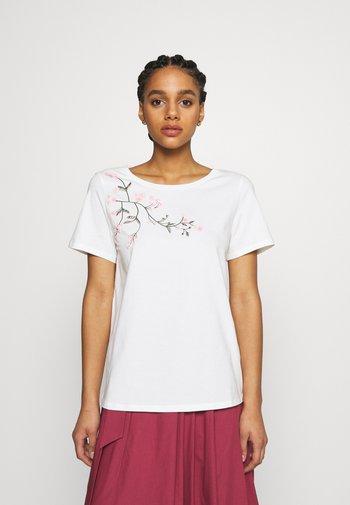 TRACIA - T-shirt imprimé - weiss