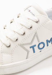 Tommy Hilfiger - Sneakers laag - white/red - 5