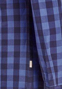 Jack & Jones - JJEGINGHAM - Skjorta - light blue - 3