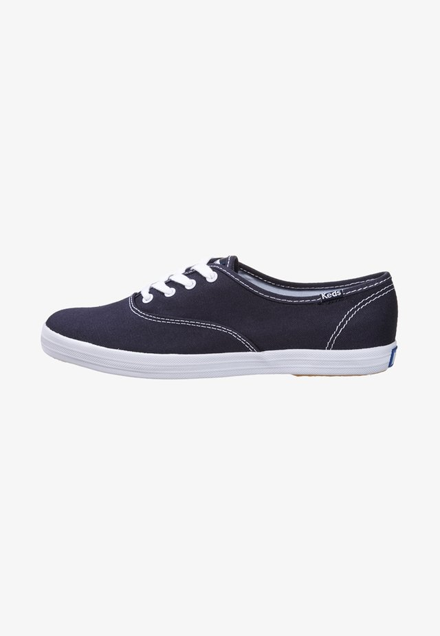 CHAMPION CORE - Matalavartiset tennarit - navy