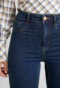 Gina Tricot - MOLLY HIGHWAIST - Jeans Skinny Fit - rinsed denim - 4