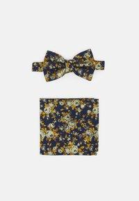 Burton Menswear London - FLORAL BOWTIE AND HANKIE SET - Motýlek - navy - 0
