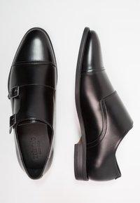 Zalando Essentials - Business loafers - black - 1
