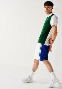 Lacoste Sport - GH2105 - Sports shorts - blanc  bleu - 2