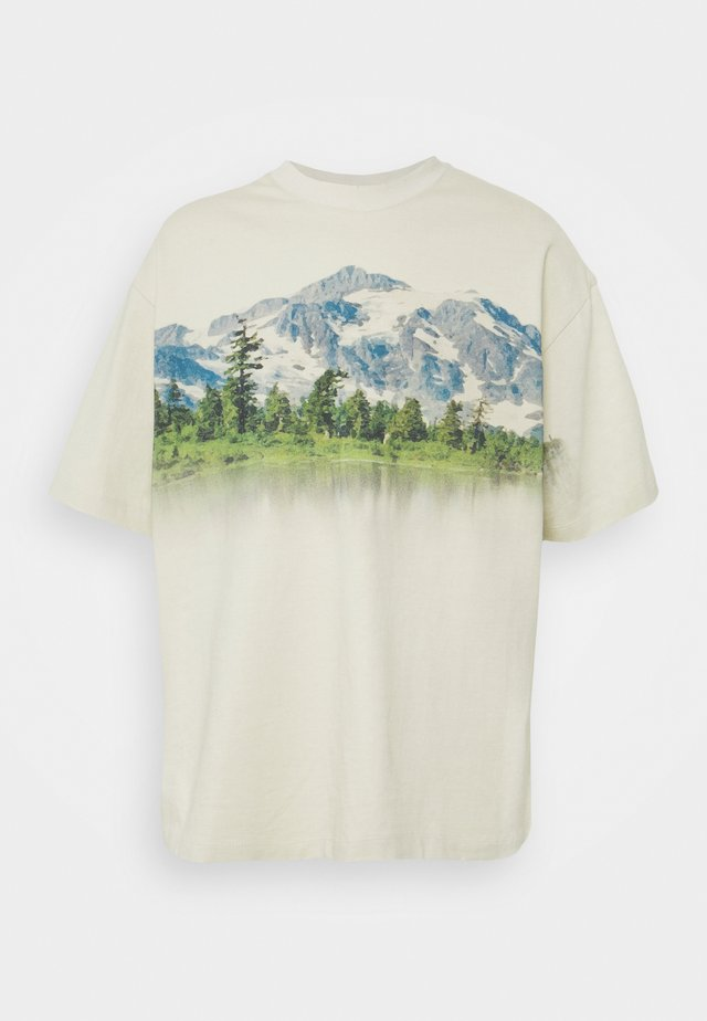 MOUNTAIN SCENE GRAPHIC - T-shirt imprimé - ecru