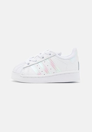 SUPERSTAR SPORTS INSPIRED SHOES UNISEX - Sneakers laag - footwear white/core black