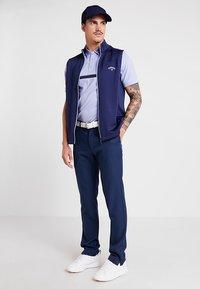 Callaway - TECH TROUSER - Kalhoty - dress blue - 1