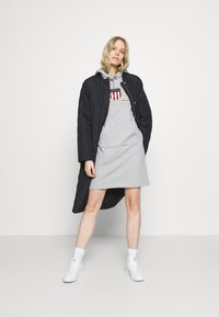 GANT - ARCHIVE SHIELD HOODIE DRESS - Day dress - grey melange - 1