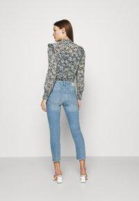Mos Mosh - BRADFORD LETTER JEANS - Jeans slim fit - light blue - 2