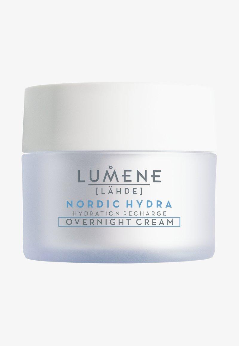 Lumene - NORDIC HYDRA [LÄHDE] HYDRATION RECHARGE OVERNIGHT CREAM - Night care - -