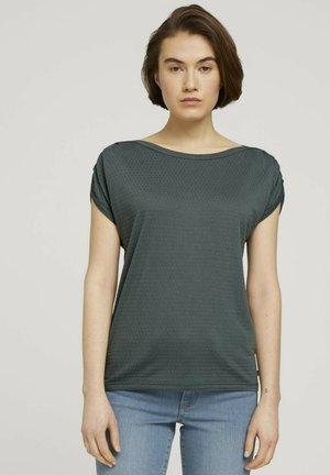 MIT FALTENDETAIL - Print T-shirt - dusty pine green