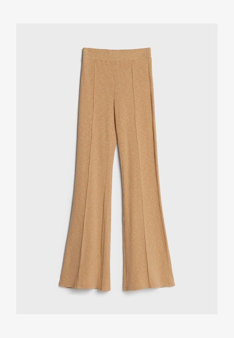 Bershka - MIT PATENTMUSTER - Kalhoty - beige