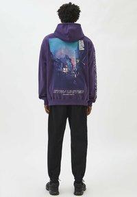 PULL&BEAR - Felpa con cappuccio - mottled purple - 2