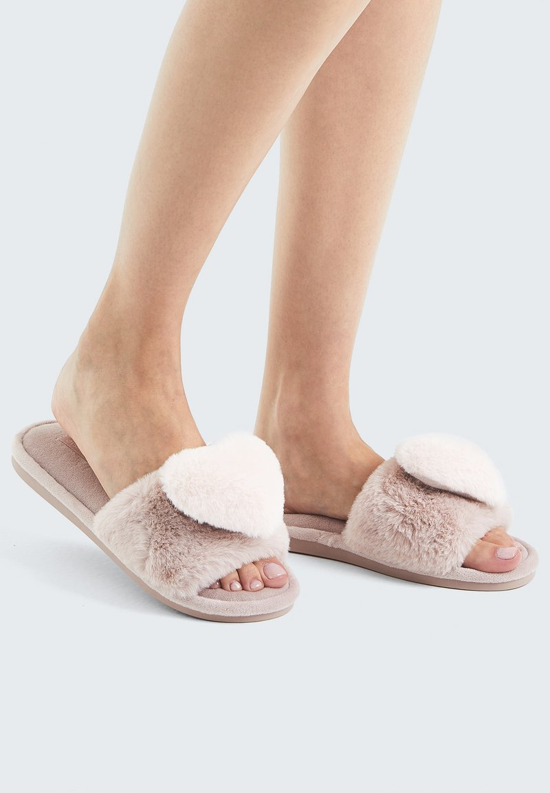 OYSHO - FLUFFY HEART - Pantofole - rose