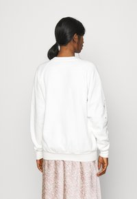 Topshop - MYSTICAL MOON  - Sudadera - off-white - 2
