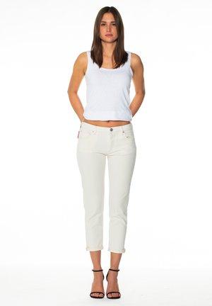 LIV- BOYFRIEND - Jeans Slim Fit - off white