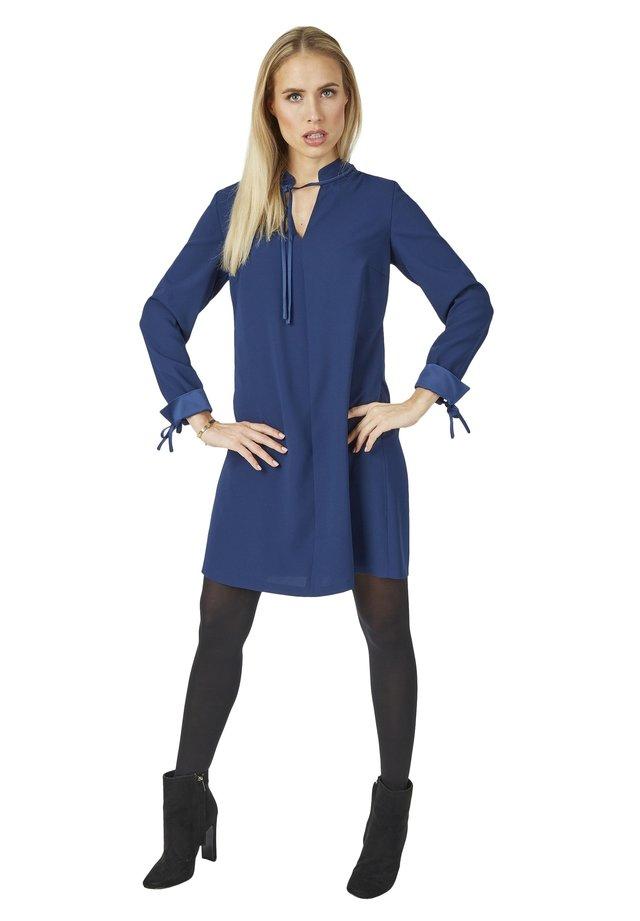 MIT VIELEN DETAILS - Day dress - dunkelblau