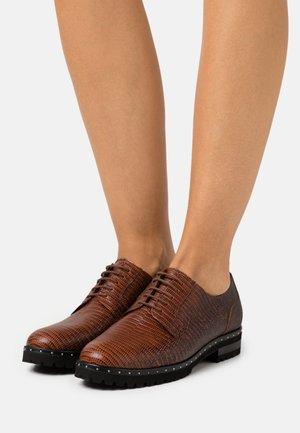 ALTARA - Šněrovací boty - sable tomas