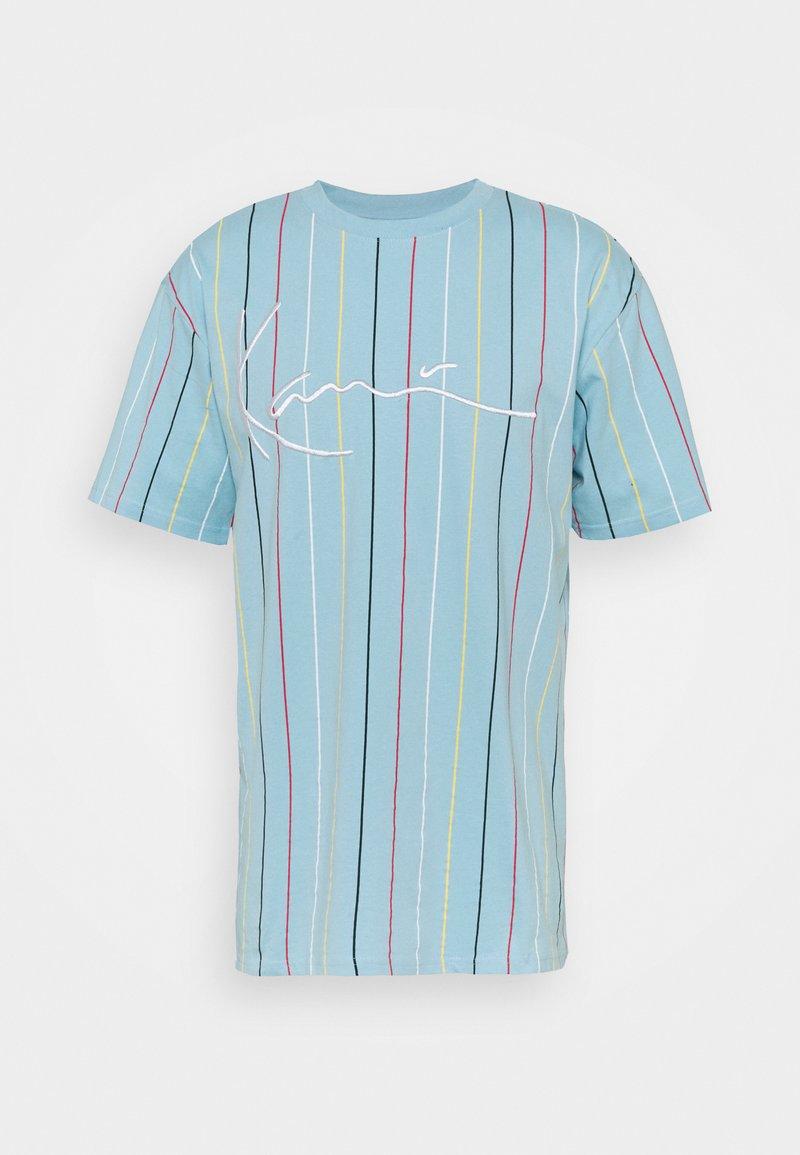 Karl Kani - SIGNATURE PINSTRIPE TEE UNISEX - Print T-shirt - light blue