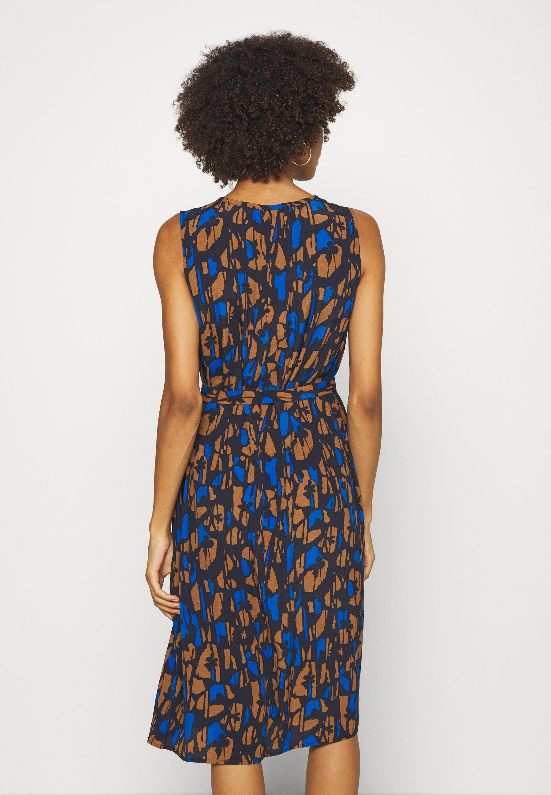 someday. QASILLO BLOOM Freizeitkleid universe blue/schwarz
