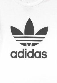 adidas Originals - SET UNISEX - Camiseta estampada - white/black - 3