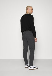 Mennace - STRAIGHT PAINTERS PANT - Kalhoty - charcoal - 2
