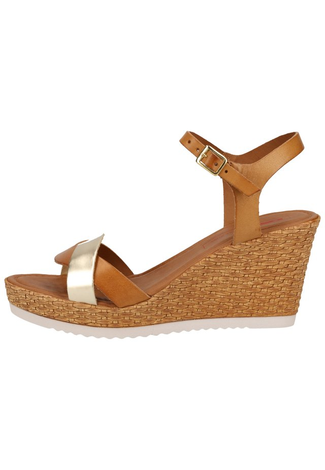 SANDALEN - Sandaletter med kilklack - cognacc/lt gold 331