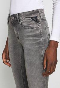 Replay - NEWLUZ HYPERFLEX - Jeans Skinny Fit - grey - 4