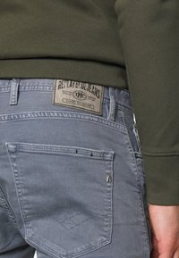 Replay - MA981B SHORT - Denim shorts - stone blue - 4