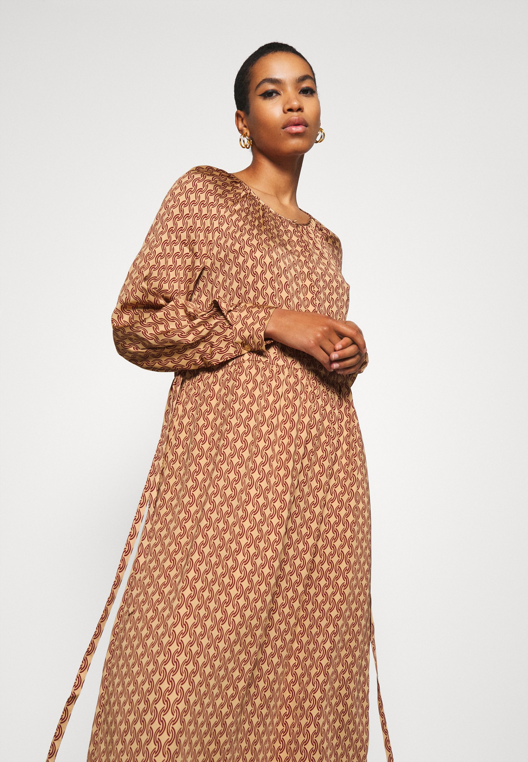 Second Female TOVE DRESS Maxikleid ginger root/orange
