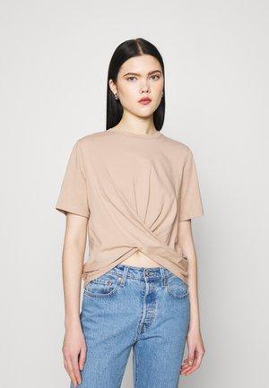 YASSARITA - Basic T-shirt - light taupe