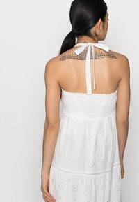Forever New Petite - LORETTA SHIRRED MIDI DRESS - Maxi dress - porcelain - 4