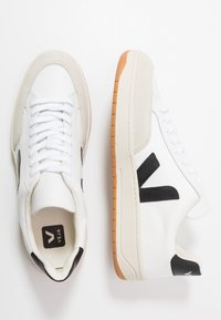 Veja - V-12 - Baskets basses - white/black - 1
