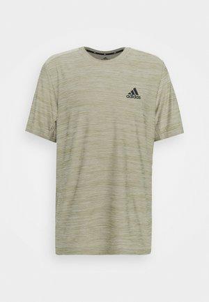 M HT EL TEE - T-shirt z nadrukiem - orbit green melange/black