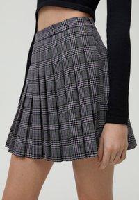 PULL&BEAR - Pleated skirt - black - 4
