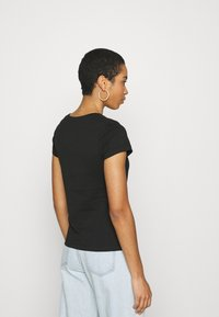 Calvin Klein Jeans - INSTITUTIONAL LOGO TEE 2 PACK - T-shirts med print - black - 2