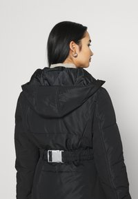 Missguided - SKI JACKET WITH MITTENS AND BUMBAG  - Winter jacket - black - 3