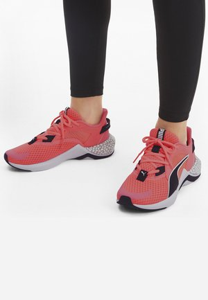 Trainers - pink/black