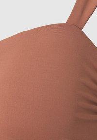 Seafolly - CAP SLEEVE BANDEAU - Bikini top - bronze - 5