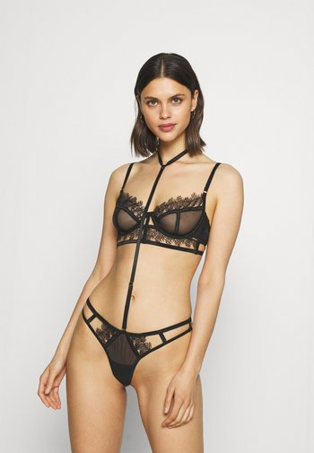ELLIS HARNESS THONG WITH DETACHABLE HARNESS - String - black
