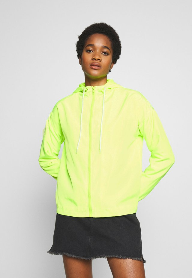 HOODED JACKET - Giacca sportiva - green