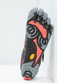 Vibram Fivefingers - Chaussures d'entraînement et de fitness - black/coral/grey - 2