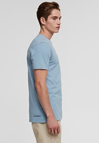 KARL LAGERFELD - IKONIK - Basic T-shirt - light blue - 4