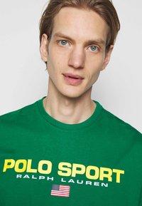 Polo Sport Ralph Lauren - Print T-shirt - english green - 3