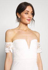 Missguided - BRIDAL LACE  PLUNGE FISHTAIL MAXI DRESS - Suknia balowa - ivory - 3