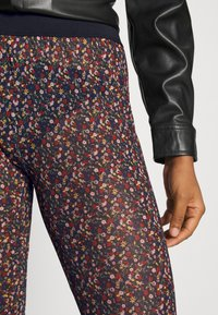 YAS - YASMILANA  - Leggings - Trousers - black - 5