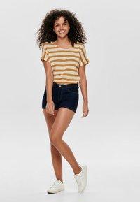 ONLY - CARMEN REG - Denim shorts - dark blue denim - 1