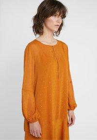 Bruuns Bazaar - MARIAH MADELINE DRESS - Vardagsklänning - sundan brown - 4