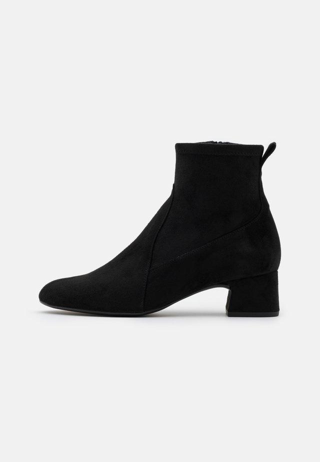 LEZAMA - Classic ankle boots - black